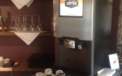 Kaffemaskin er på plass i restauranten!